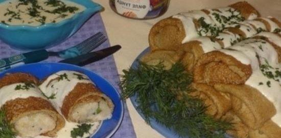 Блинчики из цельнозерновой муки с рисом и тунцом под сырным соусом кулинарный рецепт