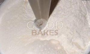 Блинчики на сметане с молоком рецепт шаг 2