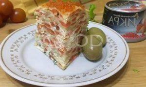 Блинный торт с форелью и красной икрой рецепт шаг 10