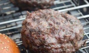 Бургер на огне с сыром рецепт шаг 4