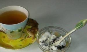 Чернослив, фаршированный грецким орехом, под сметанным соусом кулинарный рецепт