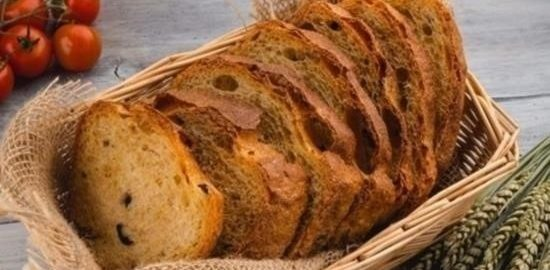 Домашний хлеб с оливками и вялеными помидорами кулинарный рецепт