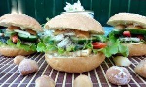 Гамбургер с сайрой рецепт шаг 6
