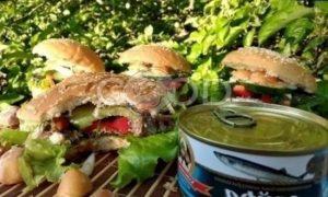 Гамбургер с сайрой рецепт шаг 8