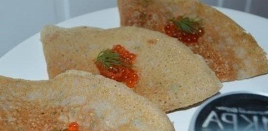 Гречневые блины с печенью трески и икрой кулинарный рецепт
