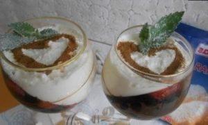 Ягодно-творожный десерт кулинарный рецепт