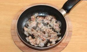 Картопляники с беконом и луком рецепт шаг 4
