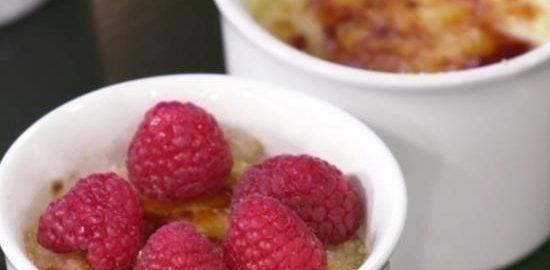 Крем-брюле с малиной кулинарный рецепт