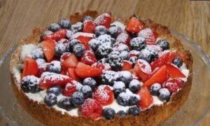 Летний тарт с ягодами кулинарный рецепт