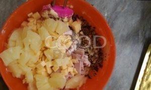 Маффины с сыром, ананасом, ветчиной и орешками рецепт шаг 4