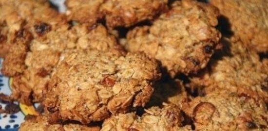 Овсяное печенье с отрубями, орехами и изюмом кулинарный рецепт