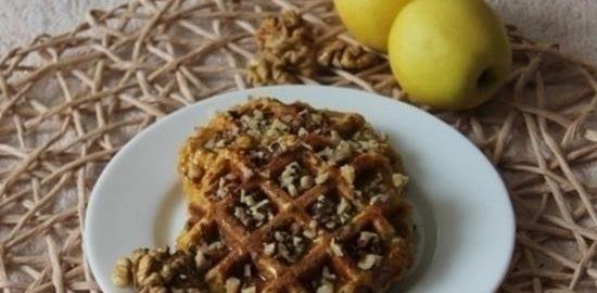 Овсяные вафли с яблоком, морковью и изюмом кулинарный рецепт