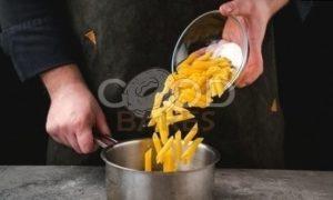 Пенне с курицей и сливочным соусом рецепт шаг 4