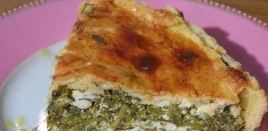 Пирог с капустой кале, творогом и руколой кулинарный рецепт