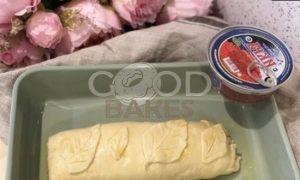 Пирог с омлетом, красной рыбой и икрой рецепт шаг 15