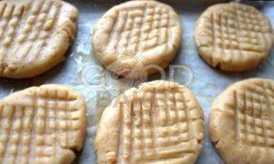 Рассыпчатое арахисовое печенье рецепт шаг 9