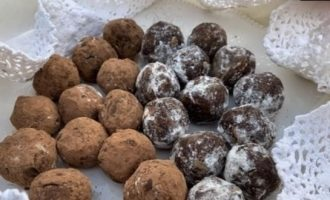 Шоколадные трюфельные шарики из печенья кулинарный рецепт