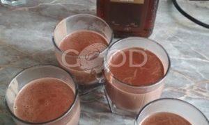 Шоколадный пудинг с амаретто рецепт шаг 6