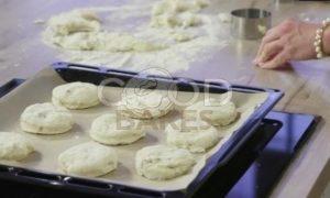 Сконы с грецкими орехами и сыром рецепт шаг 7