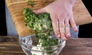 Свекольные блинчики с творожной начинкой рецепт шаг 7