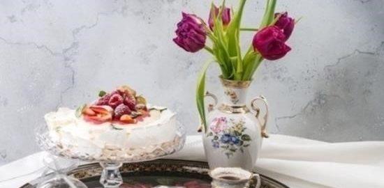 Торт «Павлова» с малиновым курдом кулинарный рецепт