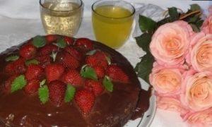 Торт с клубникой «Именинный» кулинарный рецепт