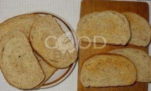 Тосты с плавленым сыром и паштетом из тунца рецепт шаг 2