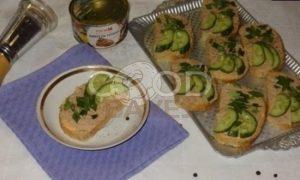 Тосты с плавленым сыром и паштетом из тунца рецепт шаг 9