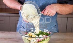 Весенний салат из первых овощей рецепт шаг 6