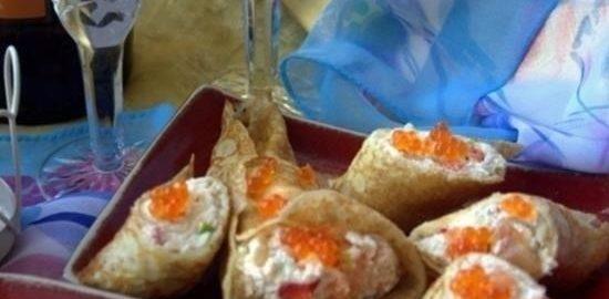 Блины с творожно-рыбной начинкой и икрой кулинарный рецепт