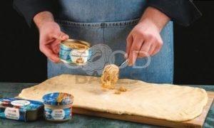 Булочки с паштетом из лосося рецепт шаг 3