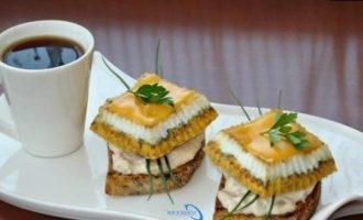 Бутерброд «Завтрак рыбака» кулинарный рецепт