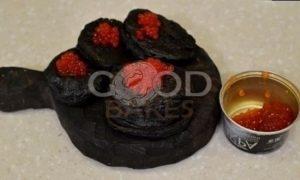 Черные оладьи с красной икрой рецепт шаг 7