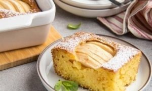 Кукурузный манник с яблоками кулинарный рецепт