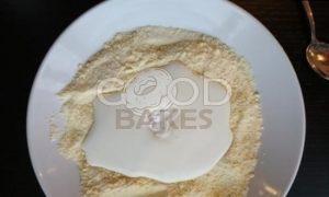 Кукурузный манник с яблоками рецепт шаг 2