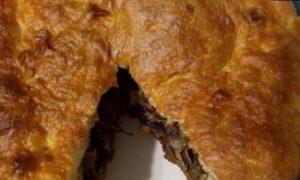 Пирог с мясом и грибами в мультиварке кулинарный рецепт