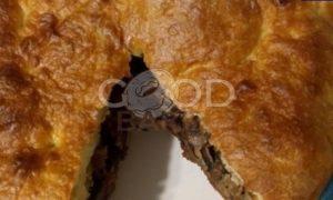Пирог с мясом и грибами в мультиварке рецепт шаг 7