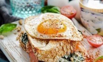 Сытный утренний сэндвич кулинарный рецепт
