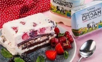 Торт-мороженое с летними ягодами кулинарный рецепт