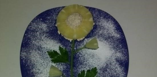 Цветок из ананаса и творога кулинарный рецепт