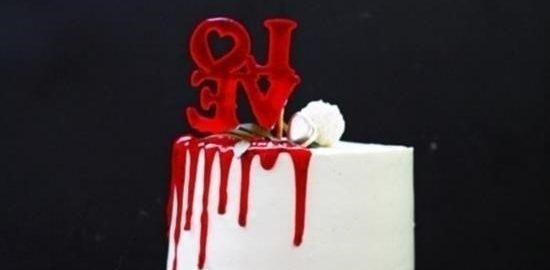 Клубничный торт-валентинка с ягодным конфи кулинарный рецепт