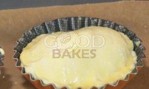 Пирожные со сливами и взбитыми сливками рецепт шаг 7