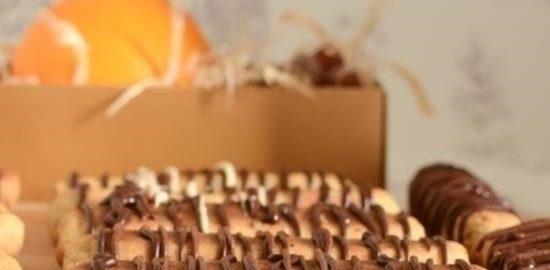 Творожно-медовое печенье с фундуком, апельсином и шоколадом кулинарный рецепт