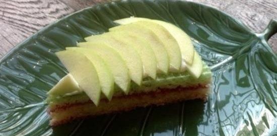 Вафельный торт с малиной и яблоком кулинарный рецепт