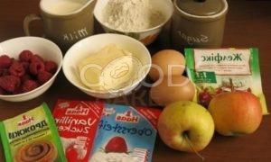 Булочки с заварным кремом на малиново-яблочной подушке рецепт шаг 1