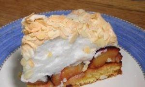 Люсин пирог со сливами и меренгой кулинарный рецепт