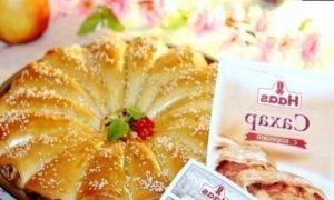 Пирог с корицей и карамельными яблоками кулинарный рецепт