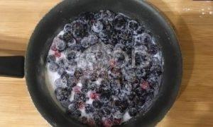 Пирог «Смородиновые завитки» рецепт шаг 2