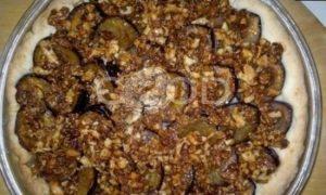 Пирог со сливами и орехами рецепт шаг 17
