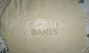 Пирог со сливами и орехами рецепт шаг 7
